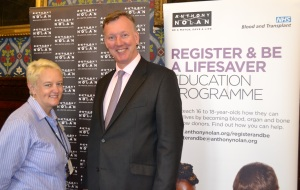 Bill speaks with R&Be volunteer Kim Baines at the Parliamentary event